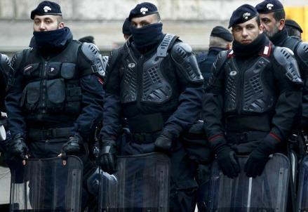 polizia_sommossa_29062016