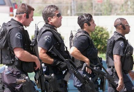 poliziotti-americani_R439
