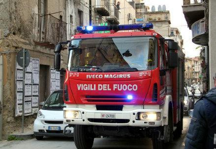pompieri_camion_R439
