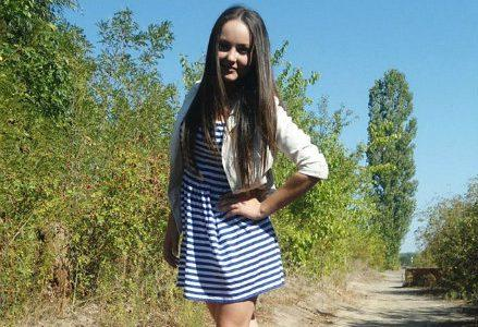ragazza_selfie_morta_R439