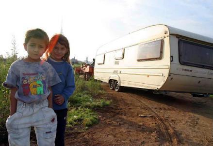 rom_nomadi_campo_r439