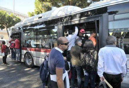 sciopero_trasporti_autobus_lapresse