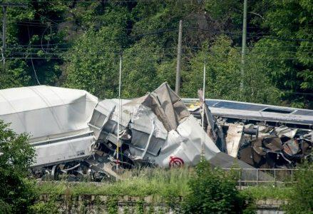 scontro_treni_incidente_ferrovie