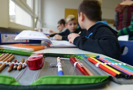 scuola_elementare_lezioneR439