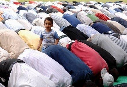 scuola_islam_preghieraR400