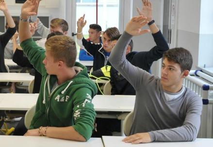 scuola_studenti_classe3R439