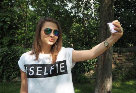 selfie_foto_r439