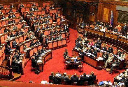 senato_votofiduciaR439