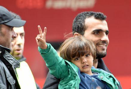 siria_migranti_bambinaR439