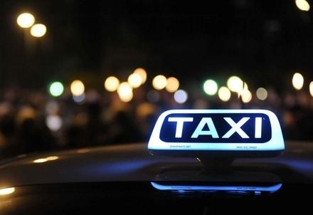 taxi_notte_milanoR439