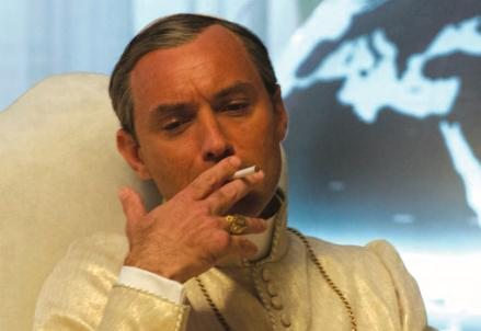 the_young_pope_jude_law_R439