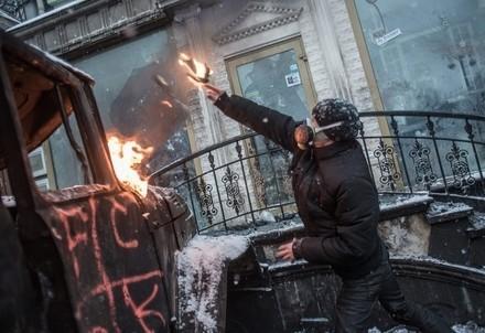 ucraina_maidan_molotovR439