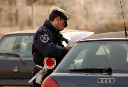 vigile_polizia_r439