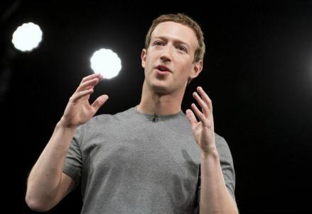 zuckerberg_facebookR439
