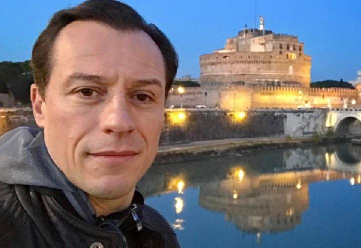 Stefano_Accorsi_selfie