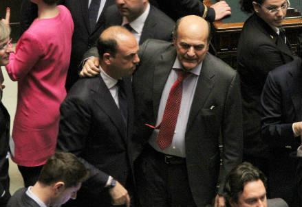 bersani_abbraccio_alfano_r439