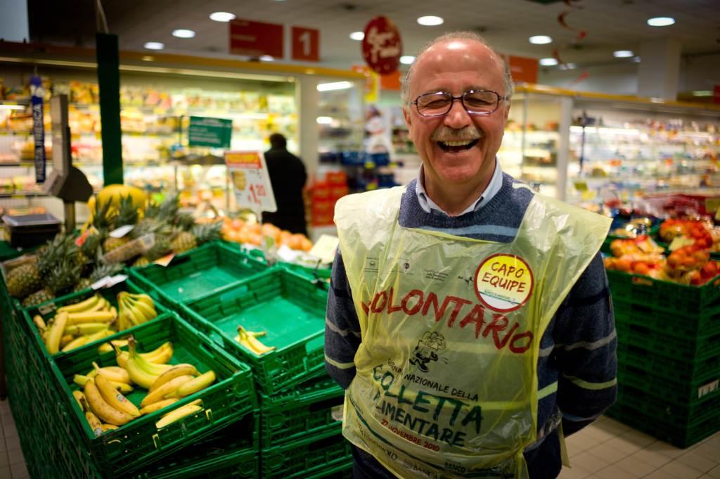 colletta_alimentare_volontario_sorriso