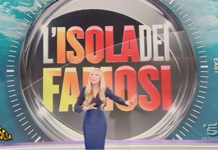 federica_panicucci_striscia_la_notizia_canale_5