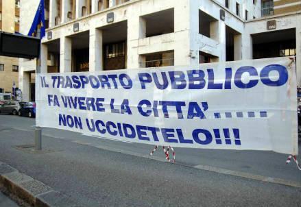 genova_protesta_r439