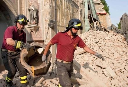 terremoto_pompieri_macerieR400