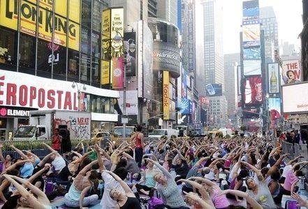 yoga_newyorkR400