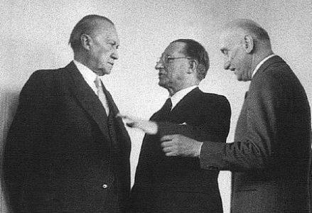 1952_Adenauer_Schuman_De_Gasperi1