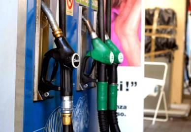 Benzina_Pompa_DistributoreR400