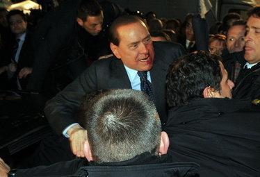BerlusconiAggressione_R375