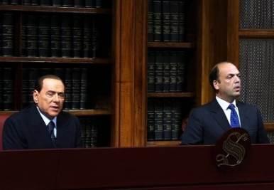 BerlusconiAlfanoConferenzaStampaSenatoR400