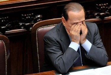 BerlusconiCameraDisperato_R375
