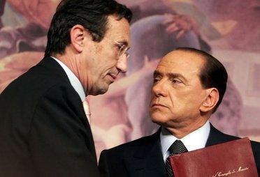 BerlusconiFiniConferenzaStampa_R375