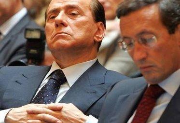 BerlusconiFiniDistacco_R375