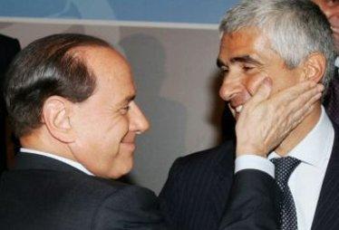 BerlusconiSchiaffettoCasini_R375
