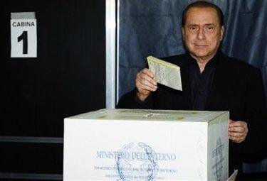 BerlusconiVoto_R375