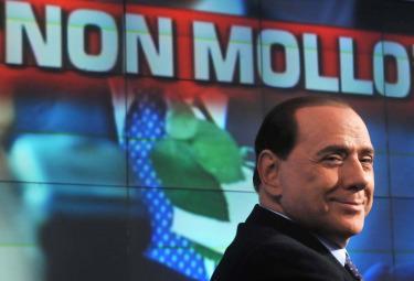 Berlusconi_Non_molloR375