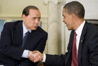Berlusconi_Obama_StrettaR375