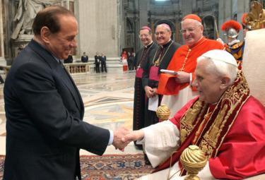 Berlusconi_PapaR375