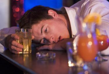 Binge_DrinkingR375
