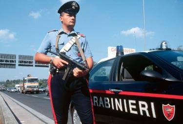 Carabinieri_Posto_bloccoR375