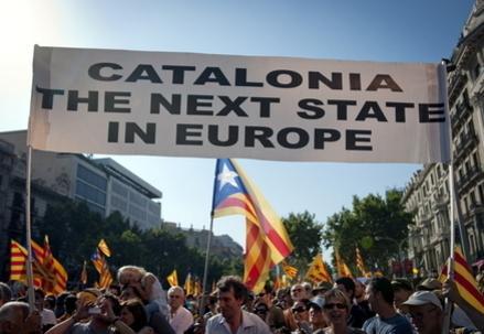 Catalogna_Striscione_indipendenzaR439