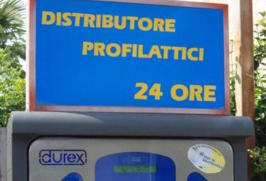 DistributoreProfilattici_R375