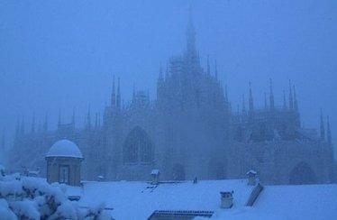DuomoMilanoNeve_R375-1