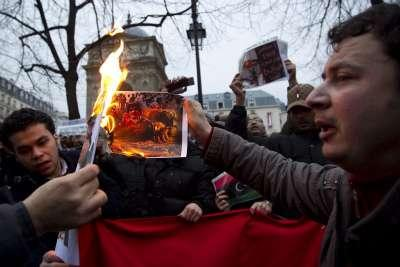 Gheddafi_Proteste_FuocoR400
