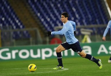 Hernanes_Lazio_R400