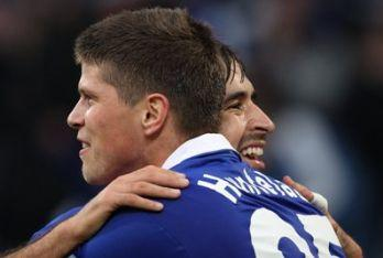 Huntelaar_Schalke_R400