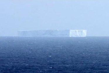 IcebergAustralia_R375