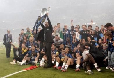 Inter_Mourinho_Coppa_festa_R400_16mar11