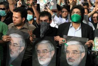 Iran_Manif_MoussaviR375