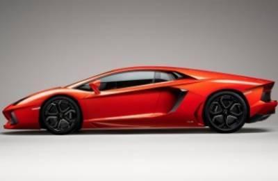 Lamborghini_2011_R400