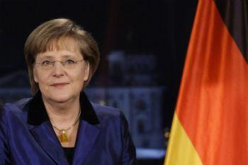 Merkel_BandieraR400-1